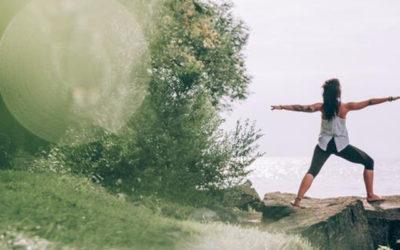 5 postures de yoga pour travailler ses abdos en profondeur 🏋️